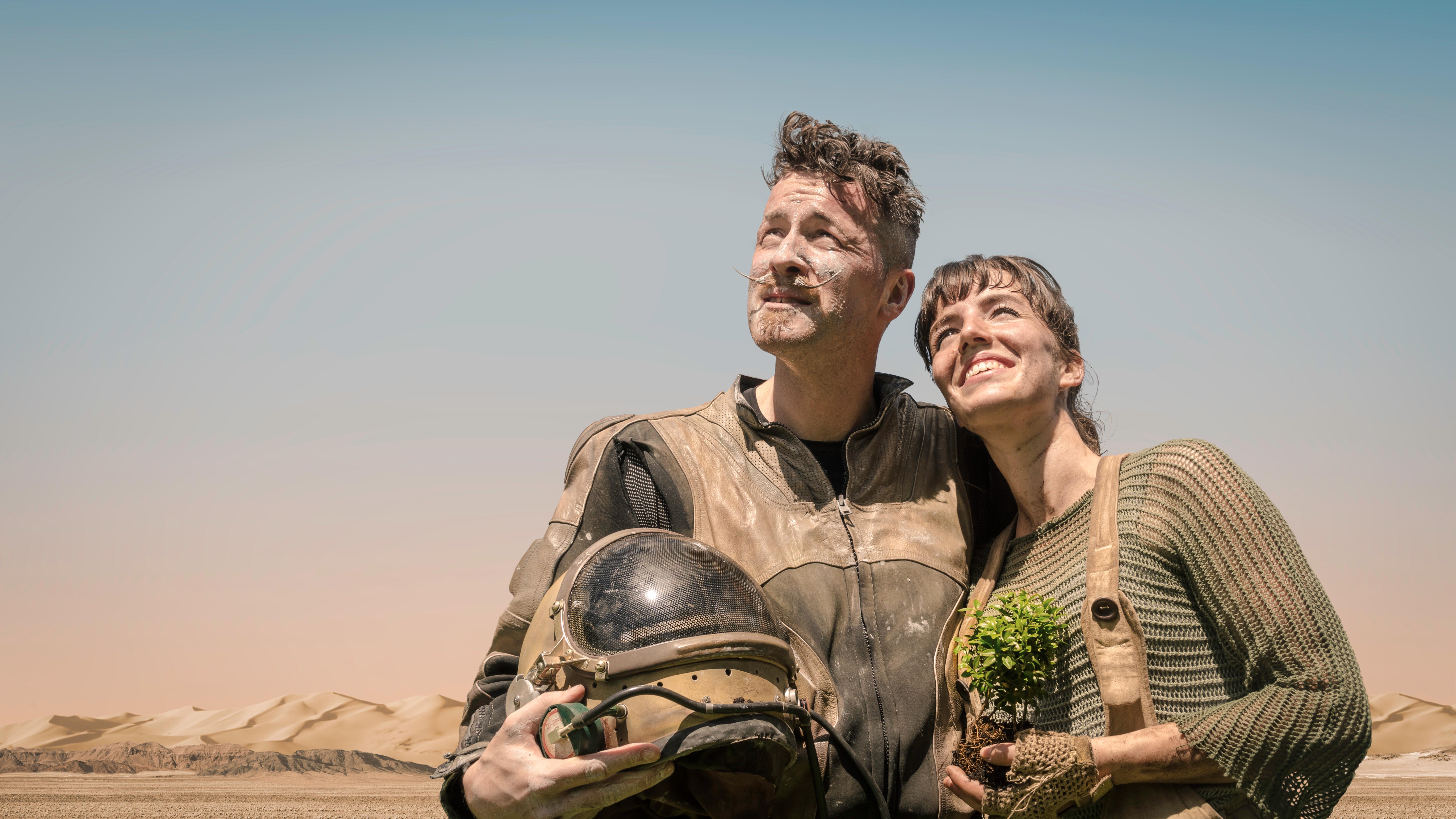 adult-adventure-couple-732894