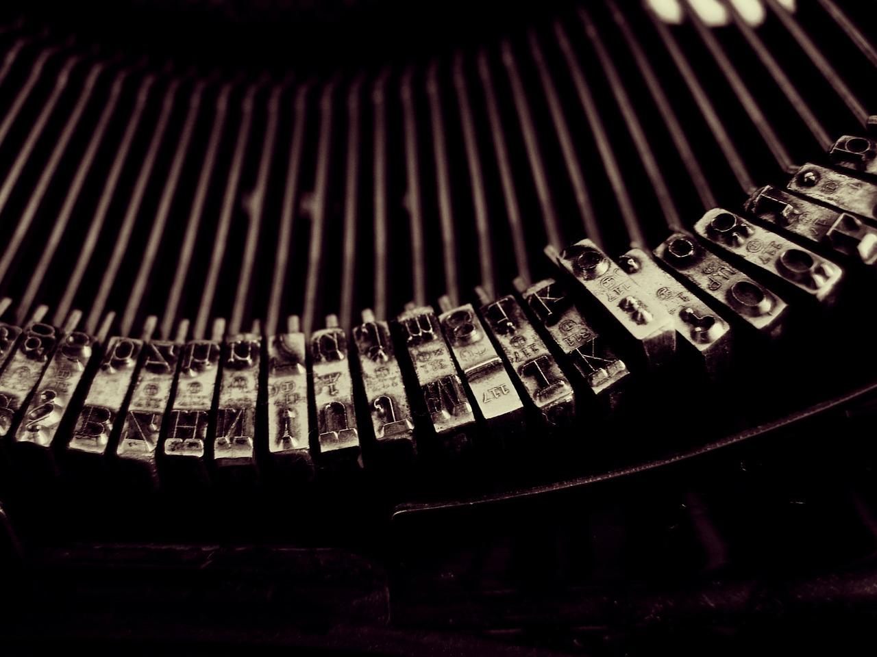 typewriter-1245894_1280
